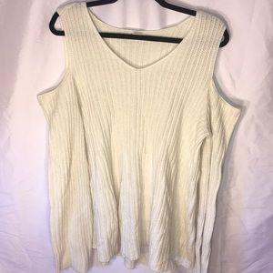 3/$15 Style & co cream cold shoulder sweater